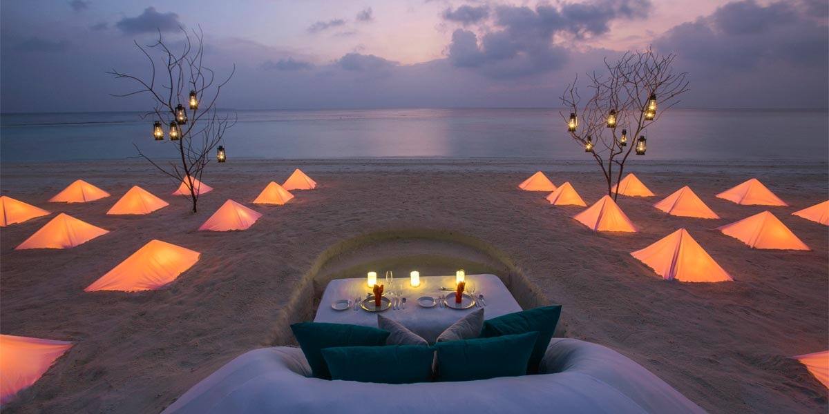 Romantic Celebration Venues, Romantic Beach Setting, Dusit Thani, Prestigious Venues