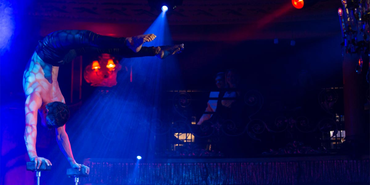 Acrobats For Events, Yellow Entertainment, Prestigious Venues