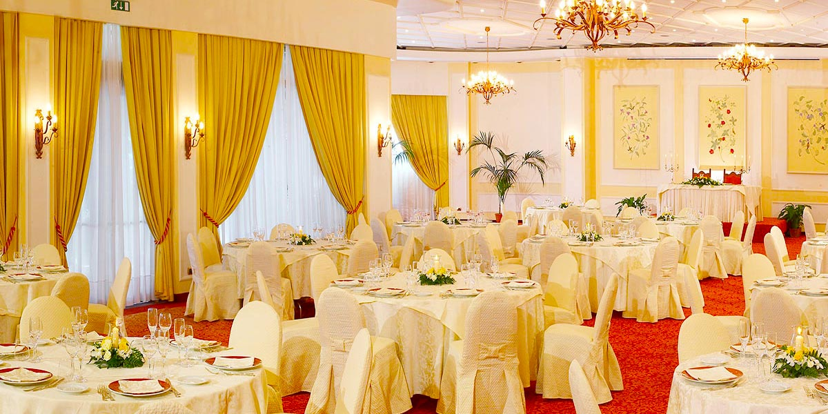 Round Table Dinner Setup, Salone delle Feste Sottomenu, Hotel Villa Diodoro, Prestigious Venues