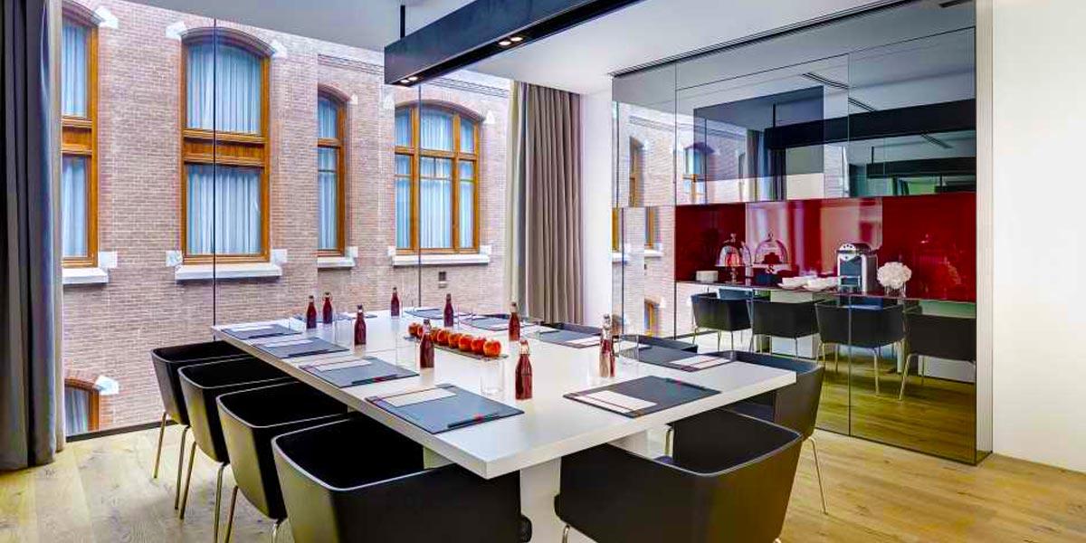 Meeting Room in Amsterdam, Red Room, Conservatorium Hotel, Prestigious Venues