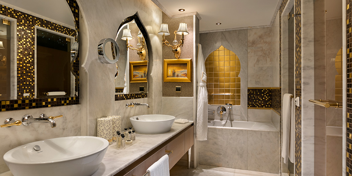 Lake House Bathtub, Titanic Mardan Palace, Prestigious Venues